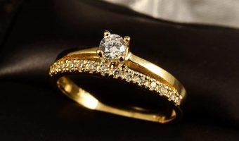 bijoux en or jaune