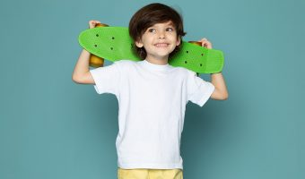 Habillez vos enfants avec la collection de vêtements de chez Gasiline